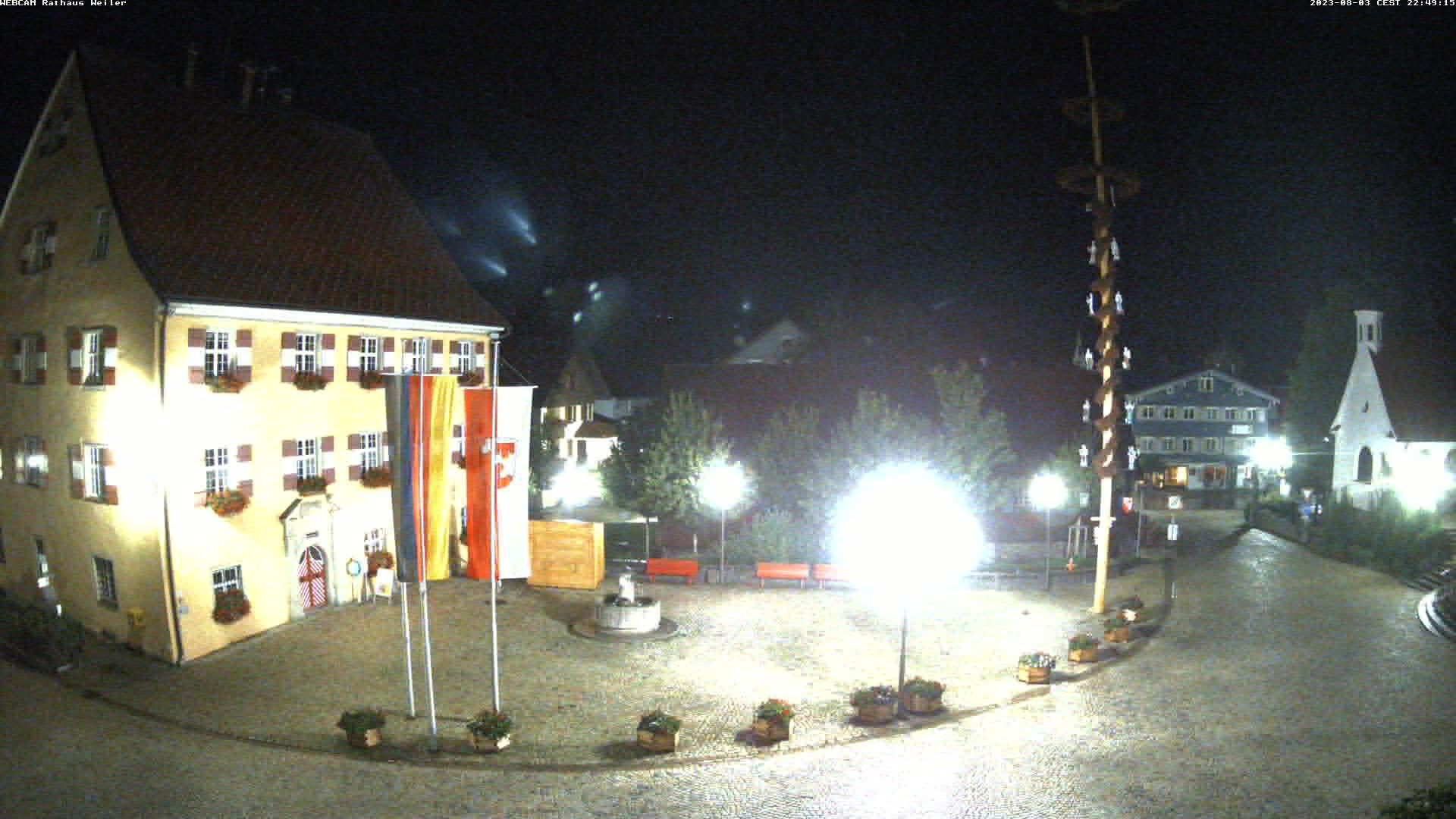 Webcam Rathaus, Kornhausmuseum und den Kirchplatz in Weiler im Allgäu